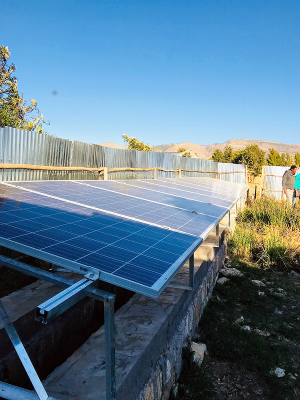 EWCV: Cultiv/Aid built solar panels for irrigation water pump